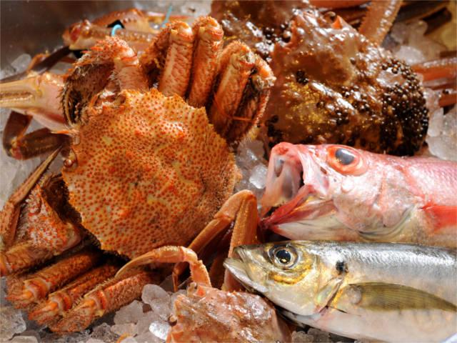 毎日市場で仕入れる新鮮な魚を使用した鮮度自慢の海鮮料理